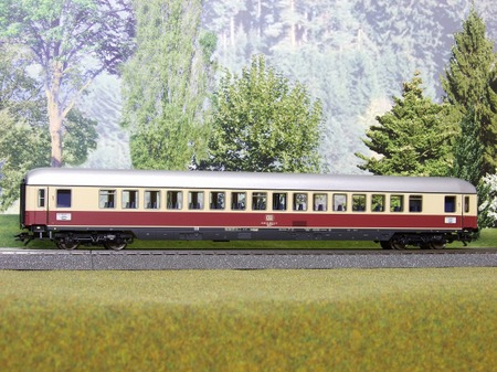 S2010_02220038